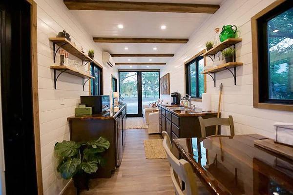 2 Containers Hacen Una Hermosa Casa Con Terraza Viride21